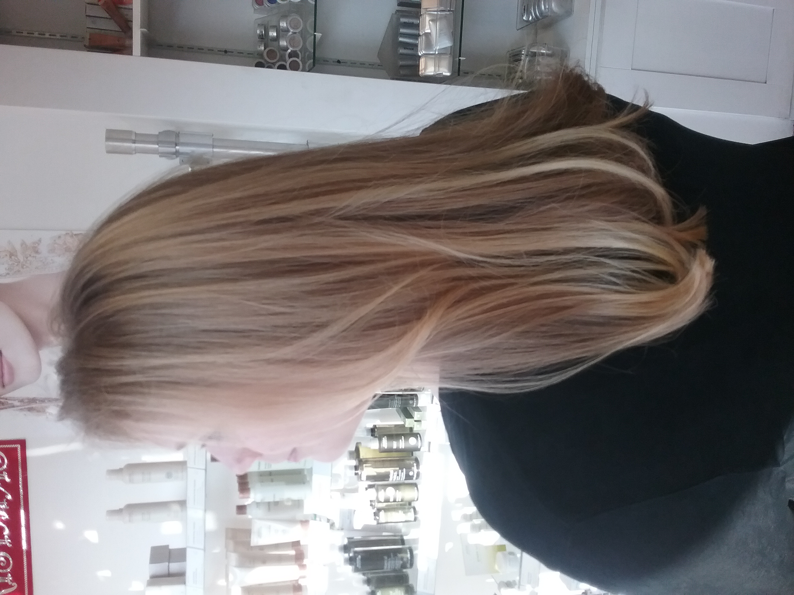 Blowdry, blowout, haircut, layers, highlights