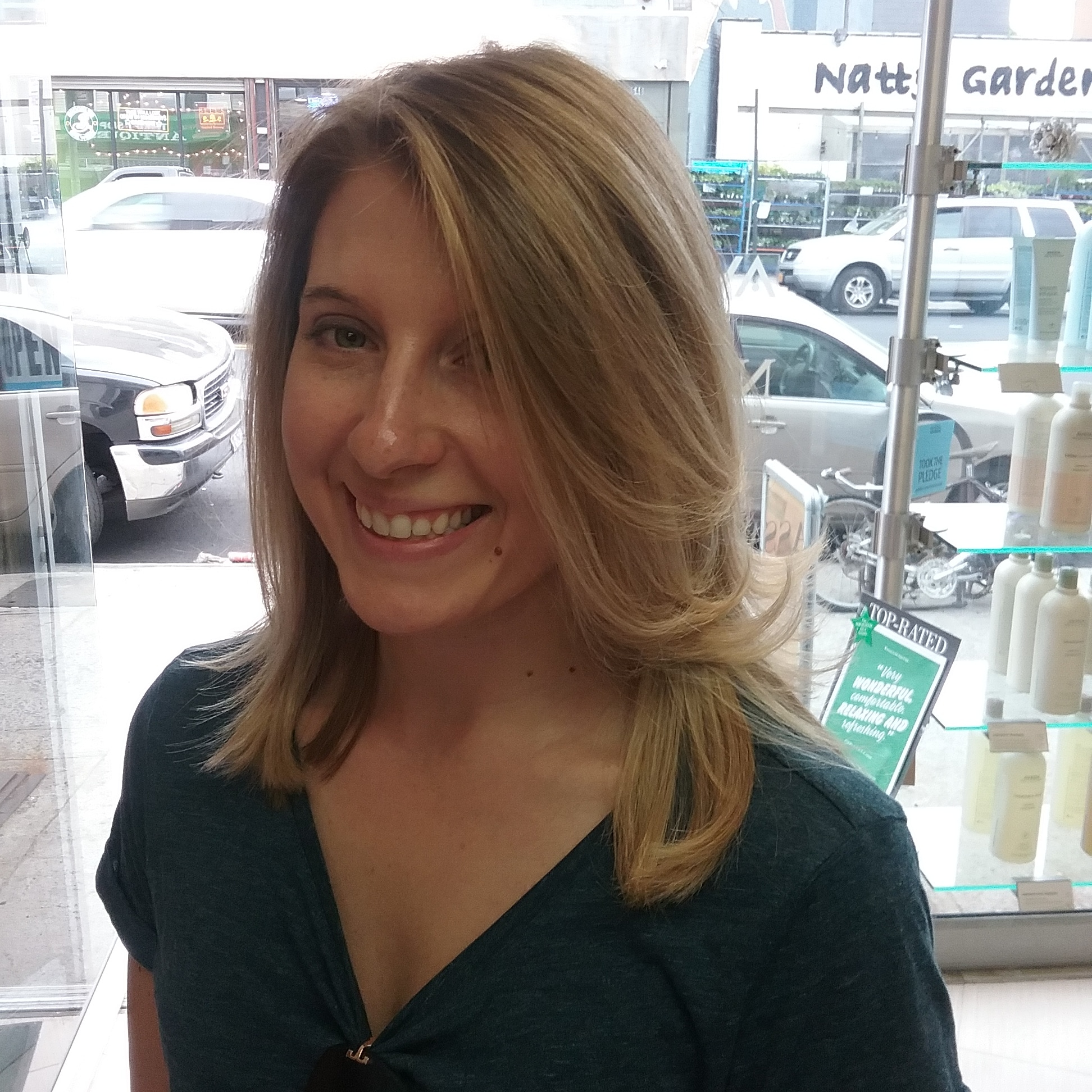 Haircut, blowdry style, hair color